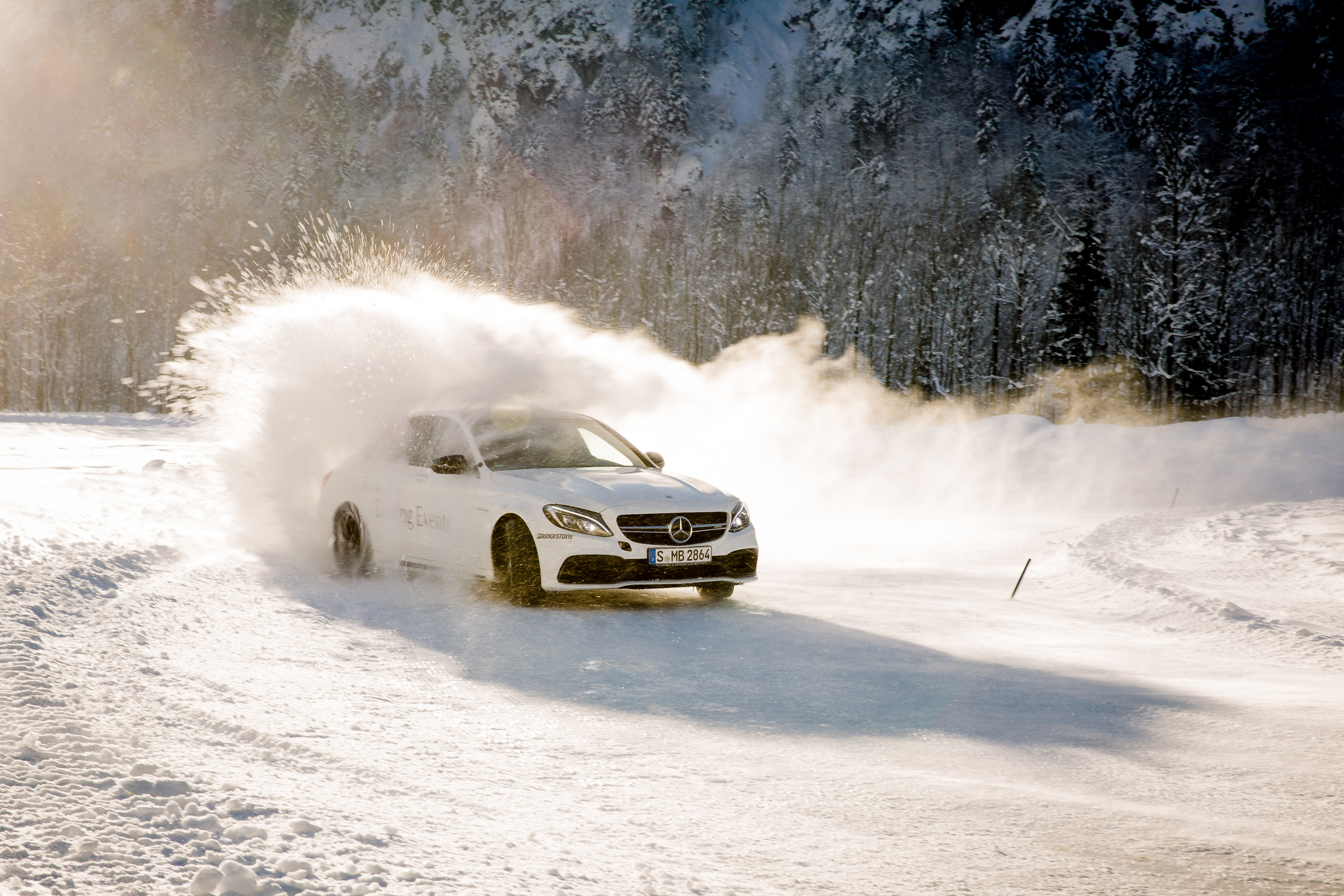 Härtetest in den Alpen - Mit Bridgestone beim Mercedes-Benz Driving Event