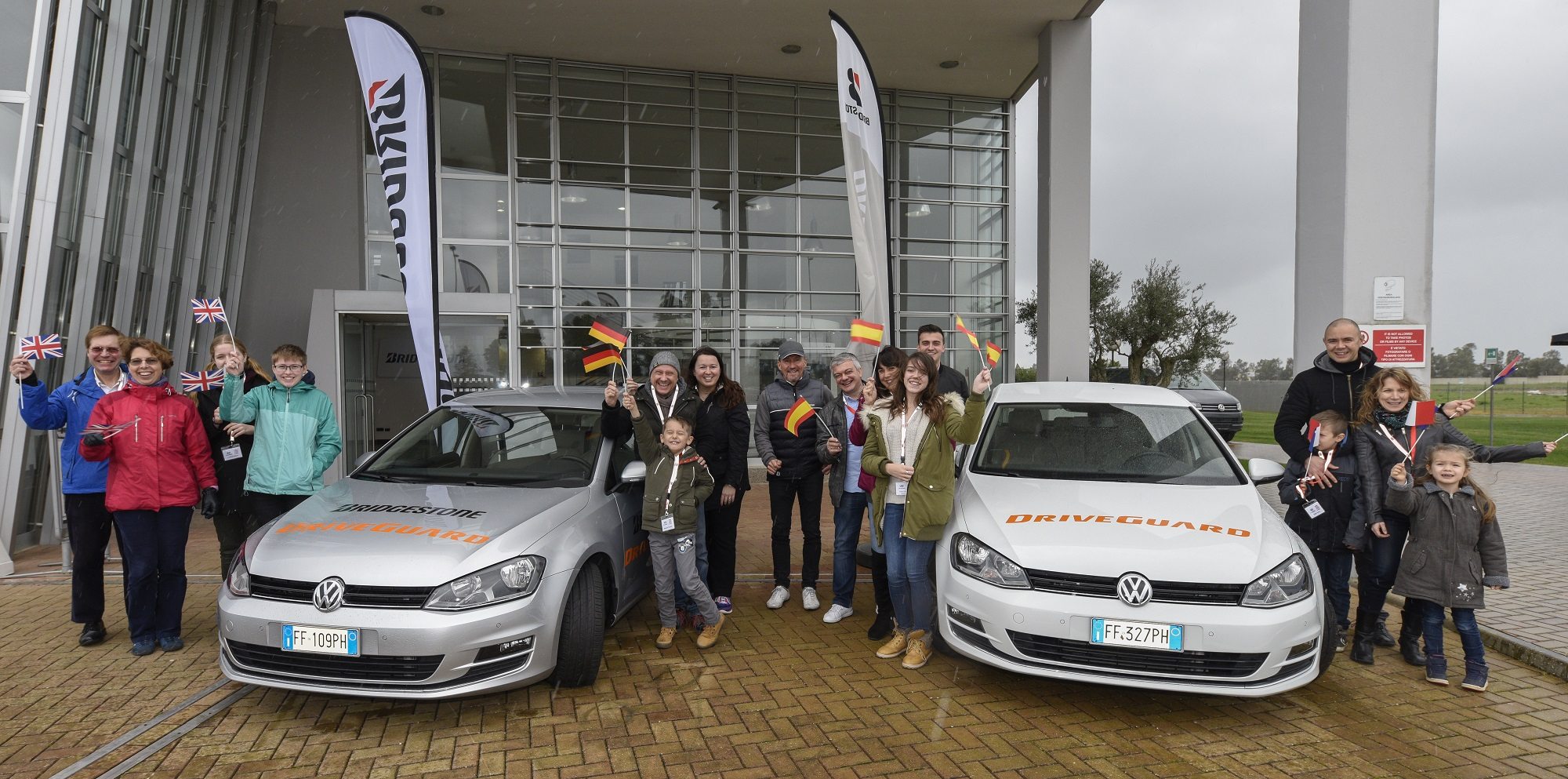 Vier Familien, vier Nationen beim Bridgestone Safety Workshops in Italien