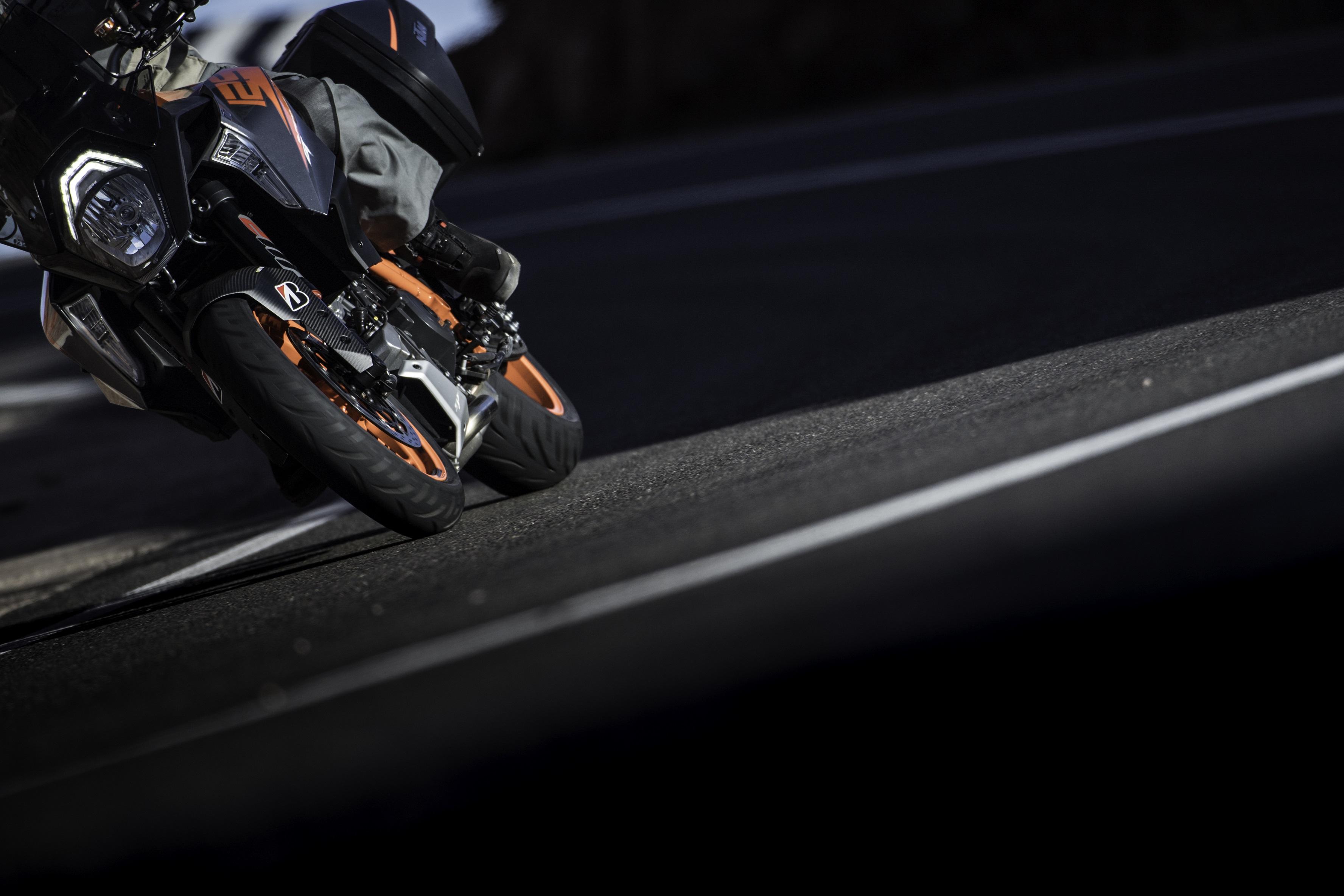 Der neue Bridgestone Battlax Sport Touring T31
