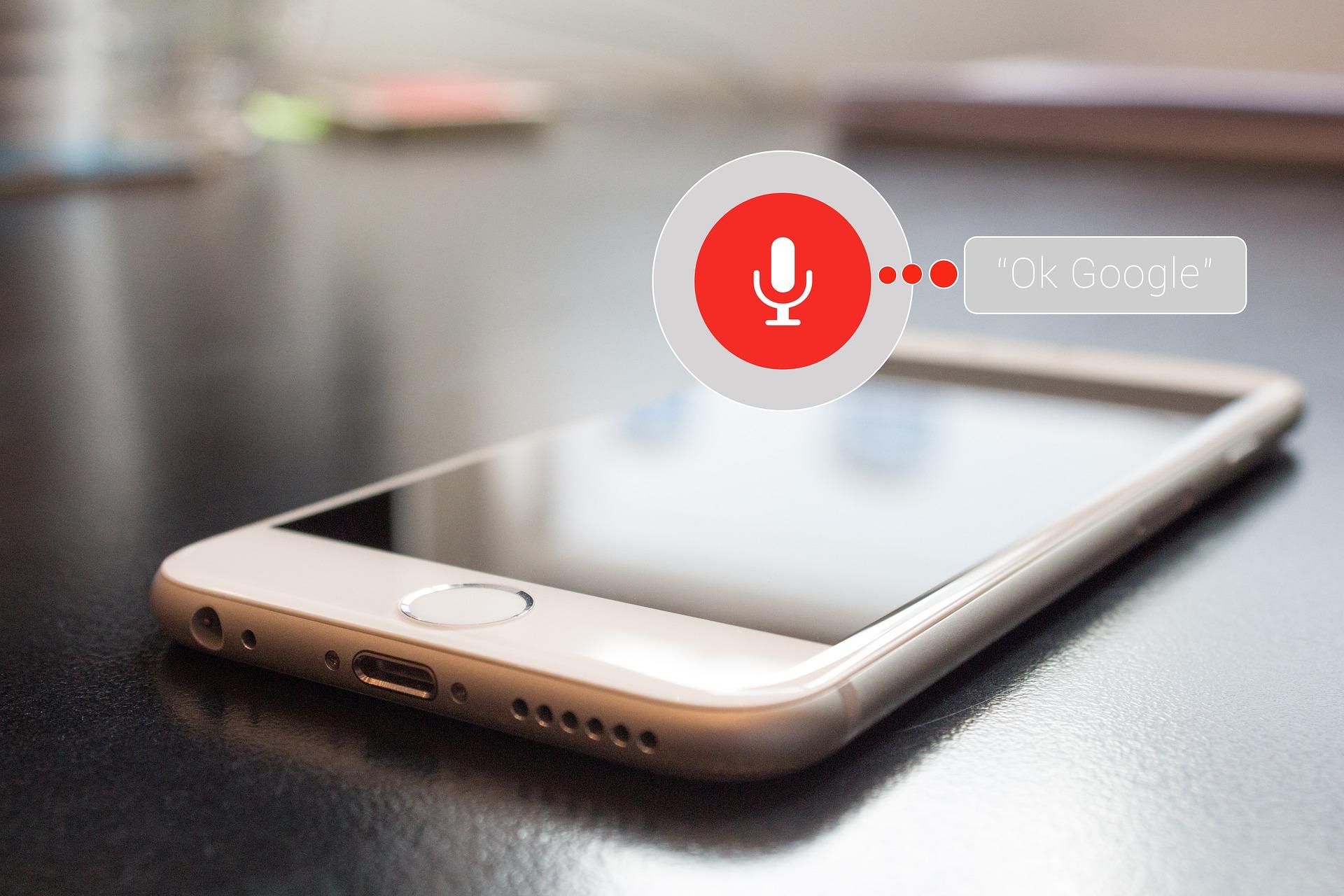 """""""Siri"""", """"Alexa"""" und Co. – die Ära der Sprachsteuerung"""