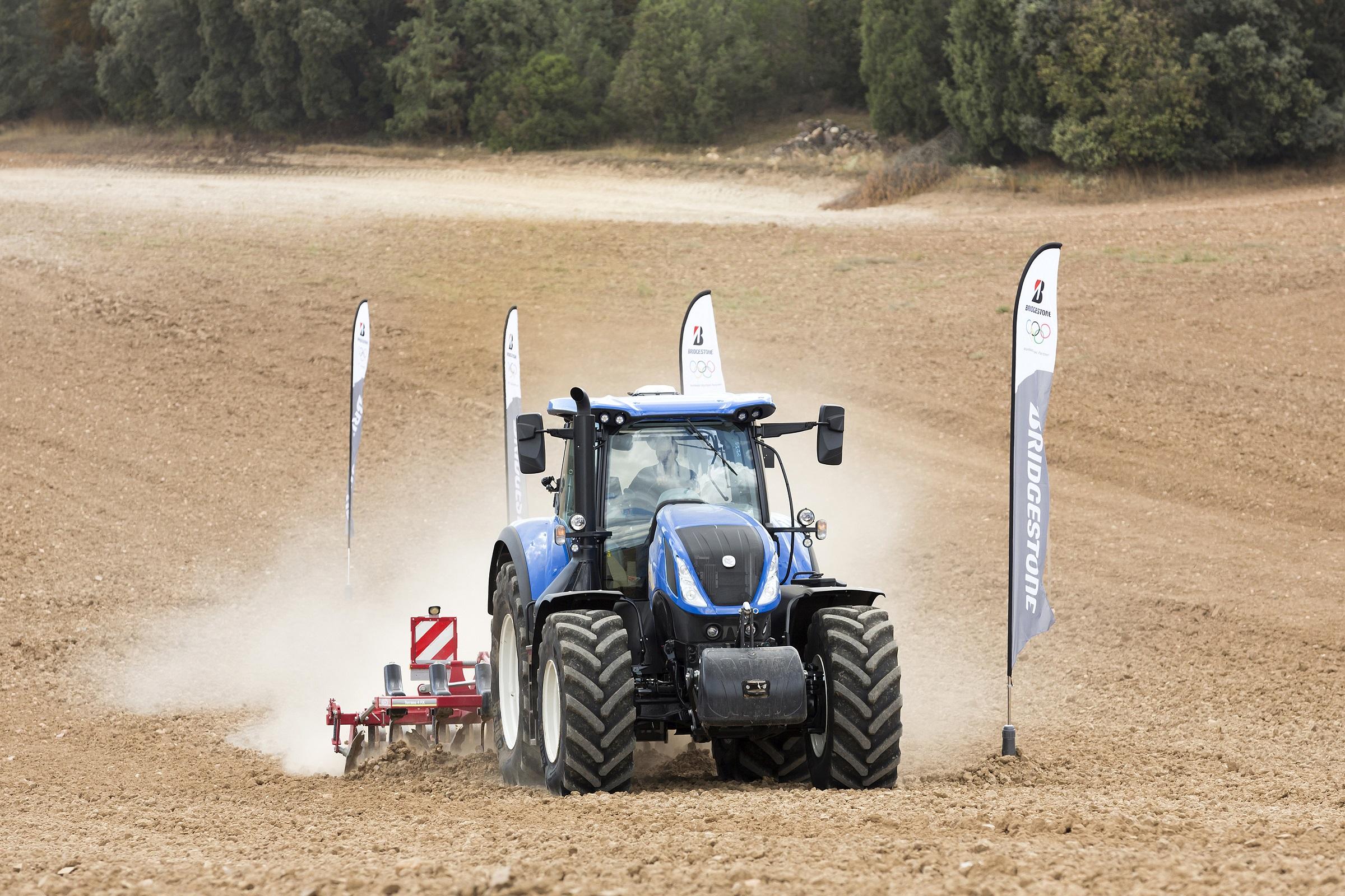 Bridgestone führt neuen Landwirtschaftsreifen ein