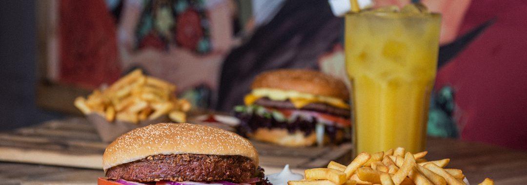 SAUSALITOS_BeyondMeat Burger
