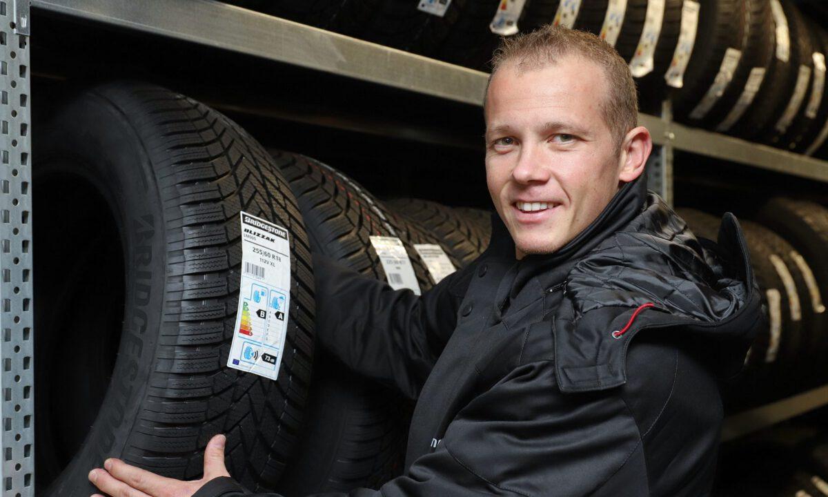 Fabian Hambüchen bei Reifen Helm in Hamburg  P.U.N.K.T. PR