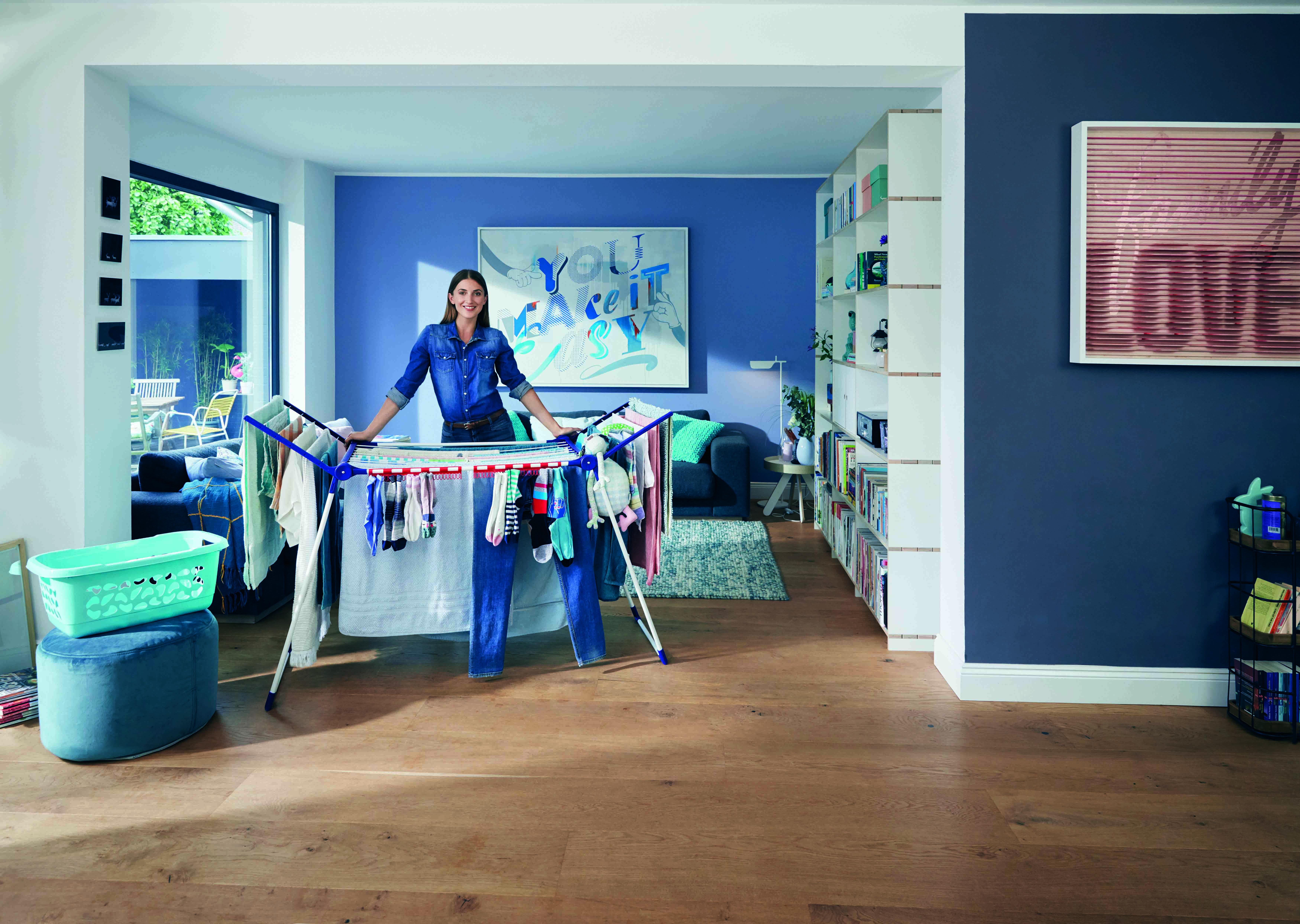Wäscheaufhängen in der Wohnung