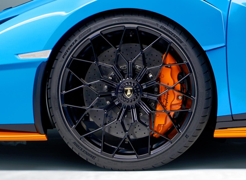 Bridgestone Reifen für den Huracán STO