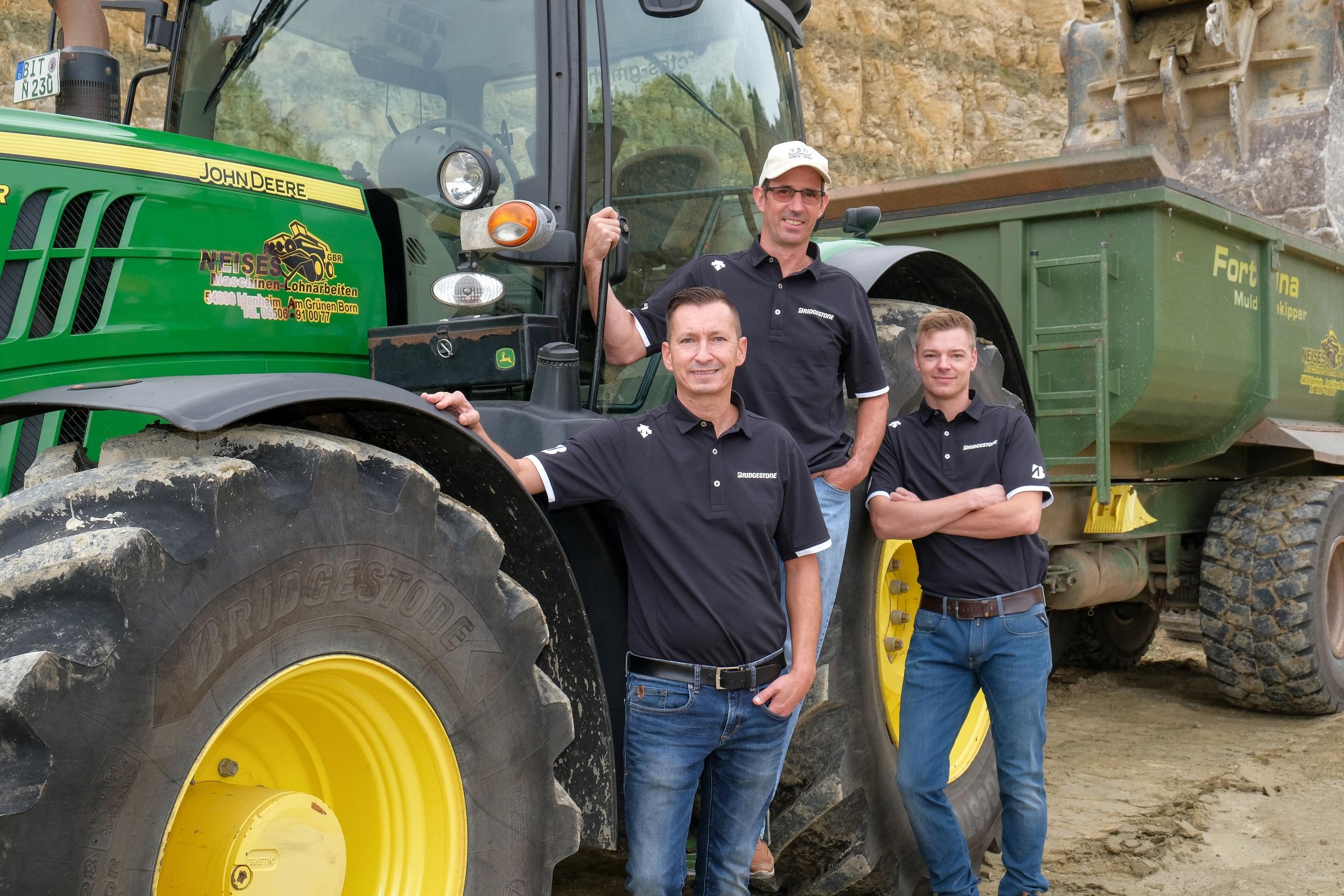 VX Tractor Neises