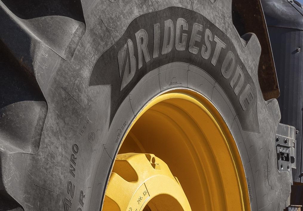 Bridgestone unterstützt Fluthelfer